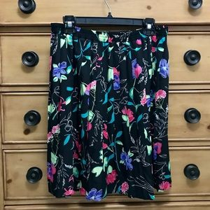Pretty Women's Alfred Dunner Floral Skirt 14